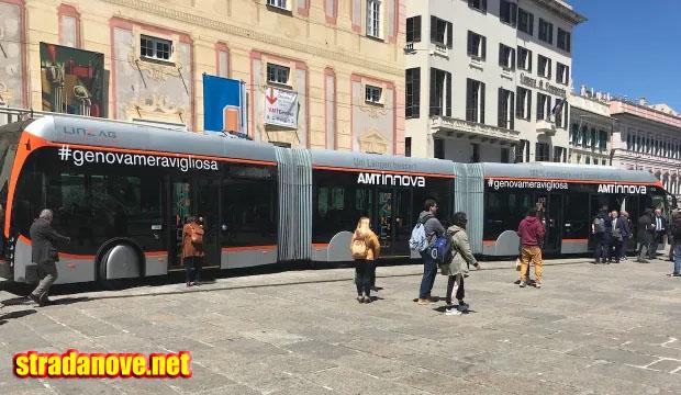 Peran Vital Bus Di Kota Modena Italy 2021